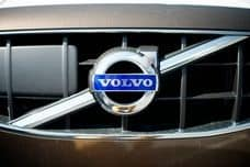 Volvo and Uber to develop self-driving cars