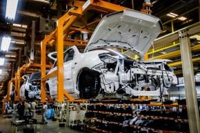Právo: na české automobilky stále líčí vyděrači