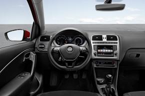 VW a Daimler svolávají auta kvůli airbagům