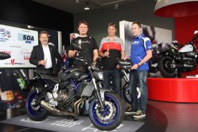 Organizátoři Motocyklu roku předali cenu u Kabourka