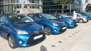 Toyota: hybridy parkují v Praze zdarma