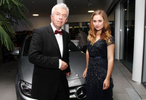 Rene expanded Mercedes-Benz showroom in Hradec Kralove