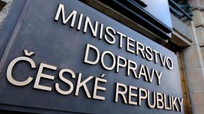 Czech ministries will buy a fleet of 1,500 cars