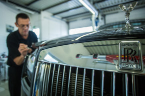Rolls-Royce to suspend production