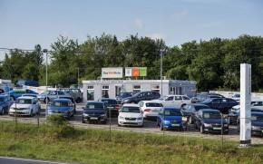 ČLFA: Češi si půjčují na stále dražší auta