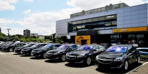 Broker Consulting buys a car fleet from Auto Palace