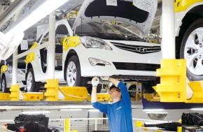 Rusko nalije do autoprůmyslu miliardy rublů