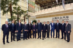 Prime Minister Sobotka visited Skoda plant in China