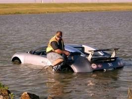 Za pojistný podvod s Bugatti Veyron rok vězení