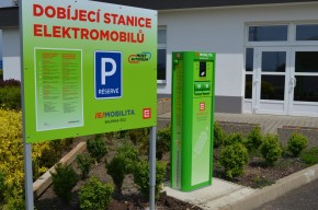 BILLA slibuje dobíjecí stanice pro elektromobily