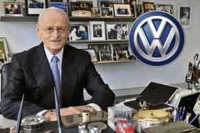 Former VW CEO Carl Hahn celebrates 90