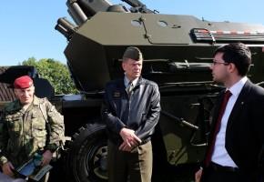 Armáda chce nový tendr na terénní vozy
