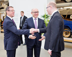 Wojnar ukázal politikům trendy v autoprůmyslu