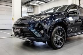 """""""Toyota Víkend"""" nabídne RAV4 s novou výbavou"""