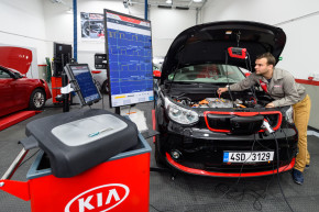 KIA opens a training center in Nupaky