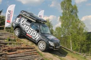 Expediční Mitsubishi jezdily v Motorlandu Bělá