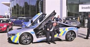 Policejní BMW i8 havarovalo v Brně