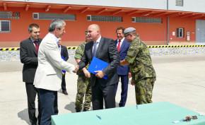 Ministr Stropnický převzal Tatry pro Armádu