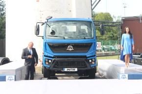 AVIA ukázala nový vůz a výrobní prostory