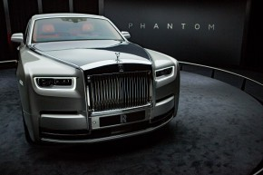 Rolls-Royce ukázal Phantom pražské smetánce