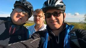 PR manažeři tří automobilek na cyklovýletě