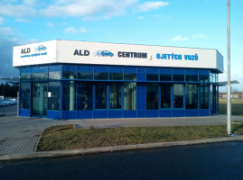 ALD Automotive má showroom ve Zdibech