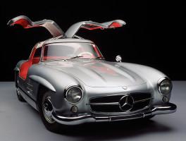 Mercedesy poputují po obchodních centrech