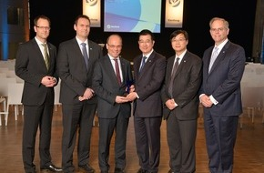 (English) Yanfeng Interiors honors its suppliers in Europe