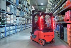 Linde MH má nové osvětlení pro vozíky