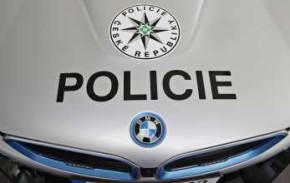 BMW prodlouží zápůjčku hybridu i8 policii