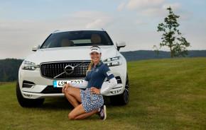 Golfistka Spilková veze Volvo z Kácova