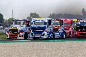 Most: závodní kamiony testovaly první zahraniční týmy