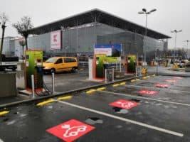 Kaufland má na Vypichu 3 rychlodobíjecí stanice