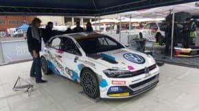 Štajf ukázal nové soutěžní auto na Strahově