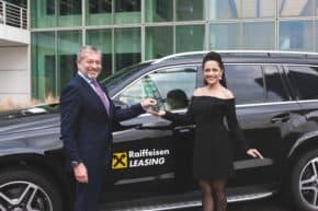 Raiffeisen – Leasing financuje Mercedes Lucie Bílé