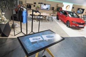 Šmucler otevřel digitální showroom Škody