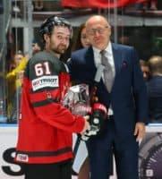 Maier dal trofej nejužitečnějšímu hráči IIHF