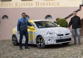 Novináři testovali maskovaný Opel Corsa F