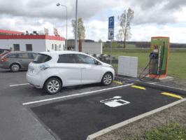 Unipetrol a ČEZ rozšiřují síť Benziny o elekřinu