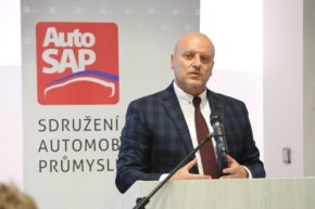 Dvorak: Czech car plants must adapt or die in the electric era