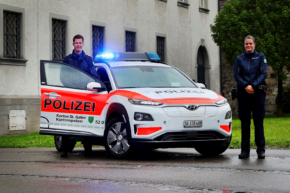 Švýcaři honí zločince v Hyundai KONA Electric