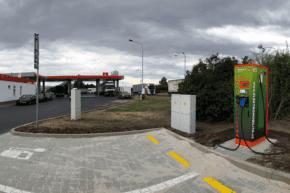 Benzina: 4 nové rychlodobíječky pro elektromobily
