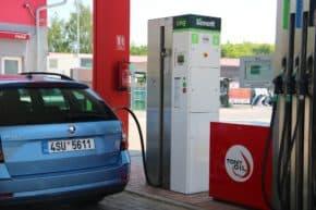 Bonett otevřel další dvě nové CNG stanice