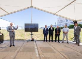 Continental staví v Brandýse výrobní halu na displeje