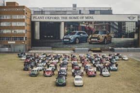 MINI vyrobilo v Oxfordu desetimilionté auto