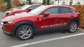 Auto roku 2020: porotci testovali Mazdu CX-30