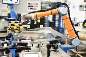 AGC investuje v Chudeřicích do robotizace