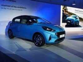 Porotci COTY testovali Hyundai i10 v Portugalsku