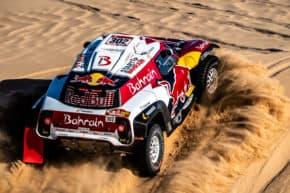 Sainz vyhrál potřetí dakarskou rallye