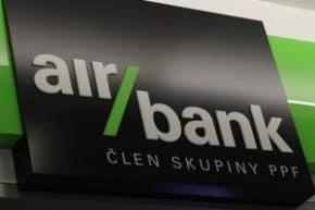 Air Bank vyřizuje žádosti o odklad podle nových podmínek